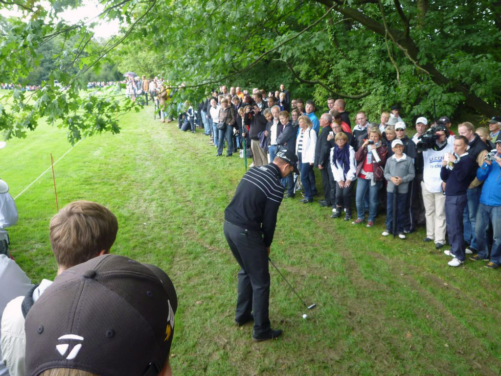 Hendrik Stenson in trouble